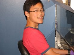 photo of Dennis Lo